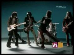 The Black Crowes - Remedy... wow adoravo questo video, e lo adoro anche adesso!!!fanstastica canzone...mi riporta indietro di...almeno 20 anni...