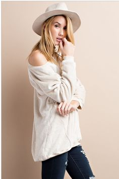 Coming our way in a couple weeks~ OATMEAL ULTRA COMFY AND SOFT FLEECE PULL OVER KNIT TUNIC WITH ROUND NECK, FEATURES AN OVERSIZED , RELAXED FIT FOR AN EFFORTLESS LOOK.~ Sizes small, med, and large. •  •  Get yours for only $33 now or full price after they arrive. •  •  Comment or DM with size and email without the .com for secure invoice thru PayPal. •  •  #cozy #comfycozy #pullover #fleecepullover #fashionista #fashiongram #stylegram #instashop #fashion #fashiondaily #fashionlovers…