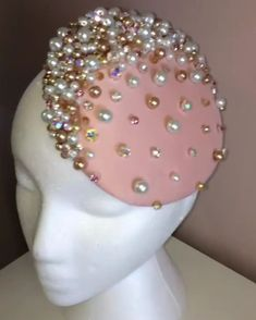 Pearl and Pink Embellished Button Fascinator - Oto Btu Facinator Hats, Fascinators, Headpieces, Pink Fascinator, Turbans, Fedora Hat Women, Fascinator Hairstyles, Millinery Hats, Cocktail Hat