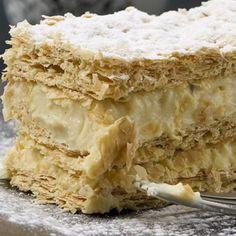 steliosparliaros sweetalchemy glykesalchimiesofficial pastry cream vanilla 1000 millefeuille Krispie Treats, Rice Krispies, Apple Pie, Cooking, Desserts, Food, Recipes, Apple Cobbler, Cucina