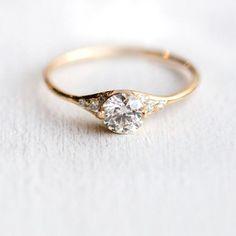 Frauenschuh-Diamant-Verlobungsring / / von MelanieCaseyJewelry