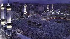 Mecca at night in Ramadan Wallpaper Images Hd, Islamic Wallpaper, Pictures Images, Hd Images, Masjid Al Haram, Mekka, Real Beauty, Phone Backgrounds, Islamic Art