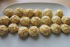 Gebackene Marzipan - Kugeln, ein sehr schönes Rezept aus der Kategorie Konfiserie. Bewertungen: 71. Durchschnitt: Ø 4,6.