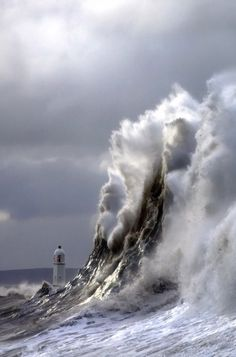passions-are-motions-oifpeyax: (௯) Tiny lighthouse between giant waves