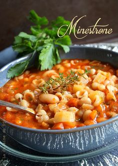 Minestrone economical and easy Italian pasta soup - This soup is inspired by the classic minestrone dish of Italian cuisine, which is a thick pasta sou - Italian Snacks, Italian Appetizers, Vegetarian Appetizers, Healthy Dinner Recipes, Pasta Recipes, Italian Recipes, Healthy Snacks, Vegetarian Italian, Cooking
