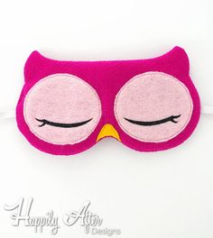 Owl sleep mask ITH embroidery design to stitch a cute & unique gift with! Sewing Classes For Beginners, Quilting For Beginners, Easy Sewing Projects, Sewing Hacks, Sewing Crafts, Sewing Patterns Free, Free Sewing, Embroidery Designs, Owl Mask