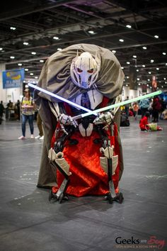 Amazing General Grievous cosplay!!!