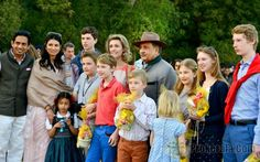 Luxarazzi: Luxembourg and Belgian Royals in India, Christmas 2014-Princess Sibilla of Luxembourg with her children Prince Paul Louis, Prince Léopold, Princess Charlotte and Prince Jean and their cousins Prince Emmanuel, Gabriel and Princess Eléonore (back to camera) and Princess Elisabeth of Belgium