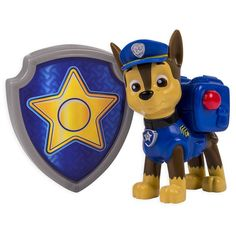 These paws uphold the laws! As the natural leader of the Paw Patrol, this action-packed pup is one athletic German Shepherd! Chase is on the case when you press his dog tag and transform his Pup Pack into a crowd-controlling Megaphone just like in the show. Need some Paw Patrol help? Collect each loveable Paw Patrol pup and work together as a team! Whether it's Marshall, Rubble, Skye, Rocky or Zuma, each pup has a unique push button transformation. Together, your child's imagination will be…