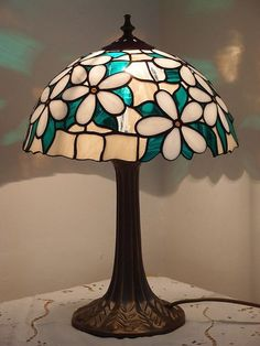 Best Garden Decorations Tips and Tricks You Need to Know - Modern Tiffany Lamp Shade, Tiffany Chandelier, Tiffany Lamps, Hanging Lantern Lights, Portable High Chairs, Tiffany Art, Cool Lamps, Stained Glass Lamps, Modern