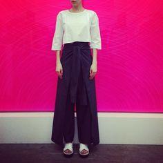 Black pants / White crop top