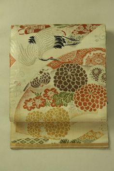 Gray brown fukuro obi (reversible) / 灰白色地 扇面飛鶴吉祥柄 リバーシブル袋帯   #Kimono #Japan http://global.rakuten.com/en/store/aiyama/