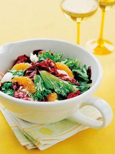 オレンジの皮のすりおろしをドレッシングに加え、爽やかな風味に仕上げて。|『ELLE a table』はおしゃれで簡単なレシピが満載!