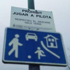 Quan comuniquem, evitem missatges contradictoris! #comunicació #senyals #imatges #missatge #carrers