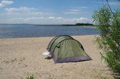 Schokkerhaven in Nagele, Flevoland  Tijdens Uit-jeTent kun je hier met je tent kamperen op het strand. Tijdens Uit-jeTent kun voordelig kamperen en zijn er heel veel activiteiten.