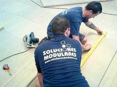 Montadores especializados en la instalación de carpintería para instalaciones comerciales en Canarias Gym, Sports, Mens Tops, T Shirt, Hs Sports, Supreme T Shirt, Tee, Sport, Training