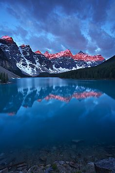 First light at Moraine Lake, Banff National Park, Alberta
