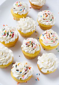 Everything you ever wanted to know about BUTTERCREAM! American Buttercream, Basic Buttercream, How to Make Buttercream, Vanilla Buttercream, Easy Buttercream #iambaker #buttercream