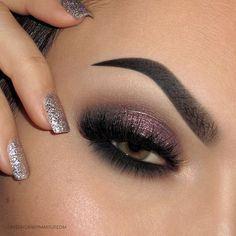 Sparkly plum smoky eye makeup look for green and hazel eyes