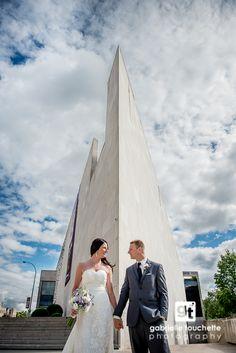 Winnipeg Art Gallery - Winnipeg Wedding Photography Urban Locations