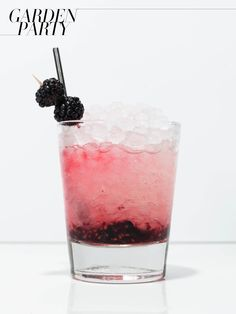 summer cocktail | Bramble 2 oz. Gin 3/4 oz. Fresh lemon juice 3/4 oz. Simple syrup Blackberries Served in a double rocks glass with muddled blackberries and topped with crushed ice