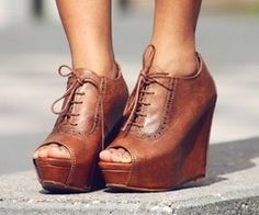 Love the peep toe oxford wedges. These shoes! Crazy Shoes, Me Too Shoes, Oxford Wedges, Oxford Booties, Oxford Pumps, High Heels, Stilettos, Wedge Heels, Sandal Wedges