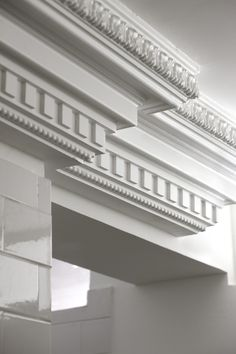 Facade Design, Door Design, Exterior Design, Bungalow House Design, House Front Design, Classic Architecture, Architecture Details, Plafond Staff, Gypsum Design