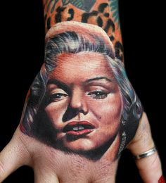 Hand shot of Marilyn Monroe tons of fun to do. Done with Fusion ink, the Dragonfly tattoo machine, and needles from The glove for the artist Marilyn Monroe Marilyn Monroe Tattoo, Tattoos For Guys, Cool Tattoos, Fusion Ink, Dragonfly Tattoo, Tattoo Machine, Hand Tattoos, I Tattoo, Body Art