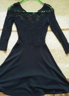 Kup mój przedmiot na #vintedpl http://www.vinted.pl/damska-odziez/krotkie-sukienki/13179180-czarna-koronkowa-sukienka-rekaw-34-hm