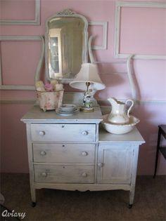 -Shabby Chic Furniture .