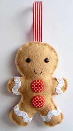 New diy christmas decorations felt gingerbread man Ideas Gingerbread Man Decorations, Gingerbread Ornaments, Felt Christmas Decorations, Decorating With Christmas Lights, Felt Christmas Ornaments, Gingerbread Man Crafts, Christmas Makes, Kids Christmas, Christmas Sewing
