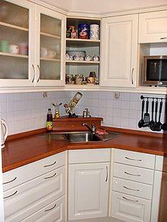 Kitchen Organization Pantry, Kitchen Hacks, Kitchen Interior, Sherlock, Sweet Home, Kitchen Cabinets, Inspiration, Ideas, Home Decor