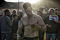 Here's the brutal workout Matt Damon used to get in incredible shape for 'Jason Bourne' Matt Damon, Cannes, Jason Bourne 2016, Bourne Movies, The Bourne Ultimatum, Bourne Supremacy, Men Over 40, Julia Stiles, Movies