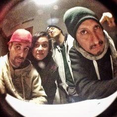 Es genial estar acompañado por hermanos en el escenario y bajo del escenario aquí con SMK y CHX tras el concierto de hoy en Valencia. Gracias por la energía!  #hiphop #rap #Valencia #nacidosdelatierra #chx