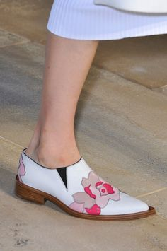 Victoria Beckham Spring 2015 Ready-to-Wear Collection shoes