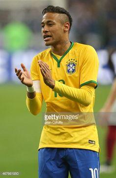 5 :  Neymar jr hoopte er heel erg van om bij het braziliaans elftal te spelen . in 2010 was hem dat gelukt . hij is zelfs op dit moment nu de beste voetballer van Brazilië. Neymar Jr, Was, Carrera