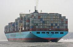 Photo of CARSTEN MAERSK taken by FleetMon shipspotter Grasbrook Lion Live Wallpaper, Tanker Ship, Maersk Line, Freight Transport, Cargo Container, Vintage Maps, Water Crafts, Sailing Ships, Transportation