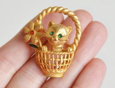 Vintage 60s Kitty Flower Basket Trembler Pin 1960s