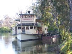 Paddle steamer on the Murray River at Albury, NSW