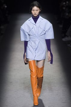 Jacquemus Parigi - Spring Summer 2020 Ready-To-Wear - Shows - Vogue. Fashion Week Paris, Fashion Week 2016, Runway Fashion, Milan Fashion, Couture Fashion, Look Fashion, Fashion News, Fashion Show, Autumn Fashion