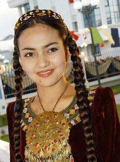 The turkmen woman with traditional coverage egyn eiklia turkmen girl turkmenistan costume ethnic jewellery and gorgeous eyebrows publicscrutiny Image collections