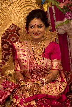 Bengali Bridal Makeup, Indian Bridal Fashion, Indian Bridal Wear, Bengali Bride, Bengali Wedding, Indian Silk Sarees, Indian Beauty Saree, Bride Look, Bridal Shoot