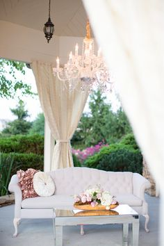 Shabby chic outside