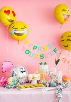 Emoji Party: Express Yourself! (Oh Happy Day! Birthday Balloons, Birthday Parties, Birthday Bash, Party Express, Festa Party, Foil Balloons, Balloon Decorations, Party Time, Party Supplies