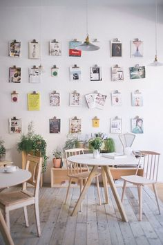Nicely decorated with lots of photos. #Restaurant #Design