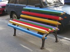 Many things shape the face of a city: buildings, bridges, parks, sculptures... even benches! That's right, this simple form of public furniture can also ...