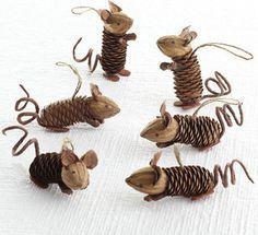 mice - muis van een dennenappel en een walnoot