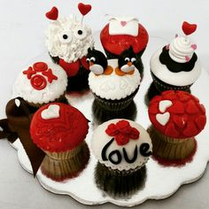Manifestar siempre lo que sientes es necesario. ¡Feliz día!  #cupcakegourmet #cupcakes #pzo #poz #igersguayana #adictoacupcakegourmet #ciudadguayana #bakery #love #fondant #sanvalentin #valantineday