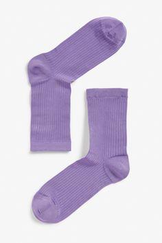 <p>Rib it. Rib it good in these thin, colourful socks that'll take ur shoe game to the next level.</p> <p>colour: <em>Woozy purple blaze<br /></em><br /></p