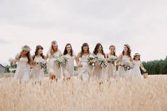 Find beautiful wedding venues, vendors + a wedding show calendar. See prices, discounts, detailed info, ideas + wedding checklists. Bridesmaids And Groomsmen, Wedding Bridesmaids, Flower Bouquet Wedding, Bridesmaid Bouquet, Carnival Wedding, Vintage Carnival, Bridesmaid Accessories, Beautiful Wedding Venues, Wedding Pictures